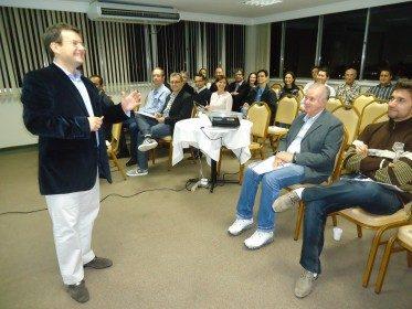 Conferência Dr. Angelo Menuci Neto