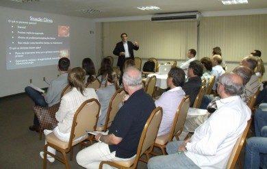 CONFERÊNCIA: IMPLANTES COM DIÂMETRO REDUZIDO (APLICAÇÕES E IMPORTÂNCIA CLÍNICA)